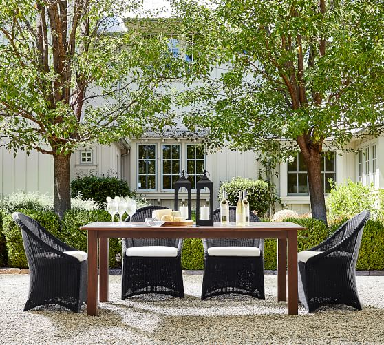 Mahogany Extending Dining Table, Pottery Barn Outdoor Furniture Showroom